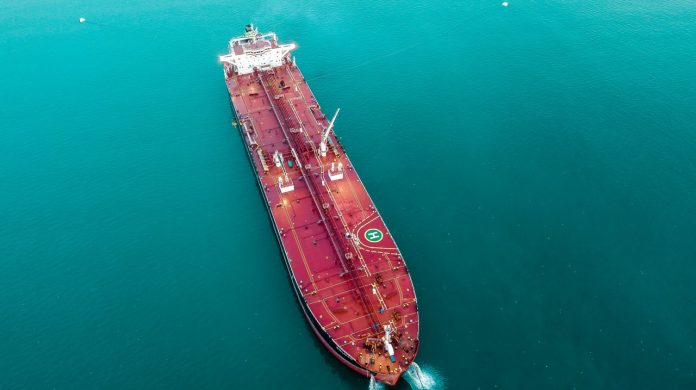 China continues to import oil from Iran despite the expiry of U.S. waivers that allowed it do so without threat of penalty by Washington. © Reuters